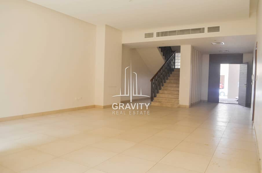 2 Luxurious 4BR Townhouse in Stunning Location