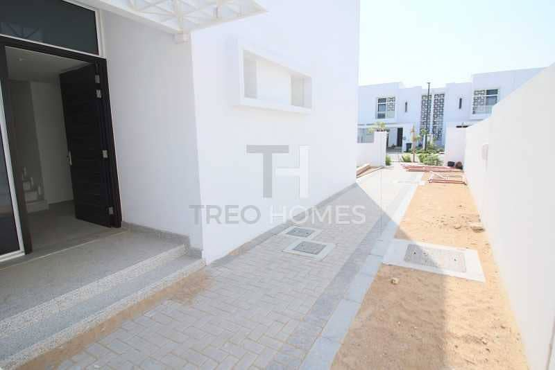 2 4 bed semi   Large plot   Near to pool  