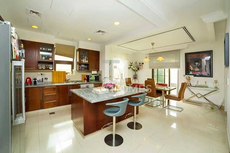 Spacious Layout | 4Bed+M | Island Kitchen