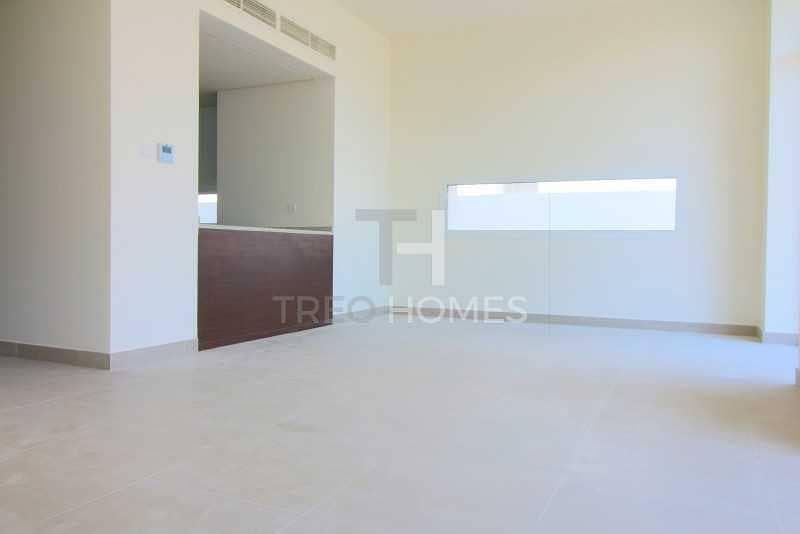 2 3 bedroom semi detached   Prime location