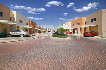فیلا 2 غرفة نوم للبيع في الريف، أبوظبي - Vacant Now | Comfortable Single Row Villa.