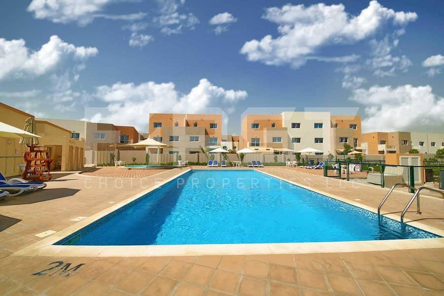 10 Vacant Now | Comfortable Single Row Villa.