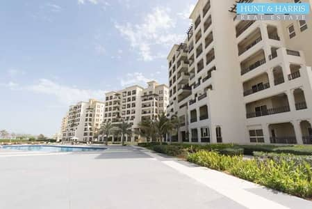 2 Bedroom Apartment for Rent in Al Hamra Village, Ras Al Khaimah - Vacant - Remarkable Lagoon View - Walkable To The Beach