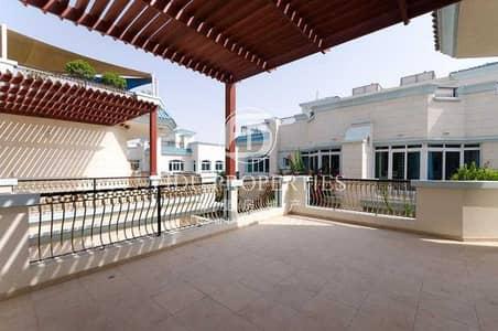 فیلا 5 غرف نوم للايجار في أم سقیم، دبي - Bright Stunning Villa Mere Walk Away From Sea