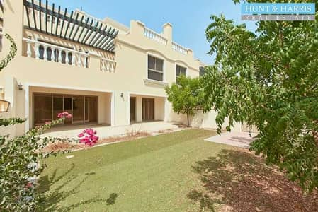 4 Bedroom Townhouse for Sale in Al Hamra Village, Ras Al Khaimah - Perfect Lifestyle - Breathtaking Golf Course View