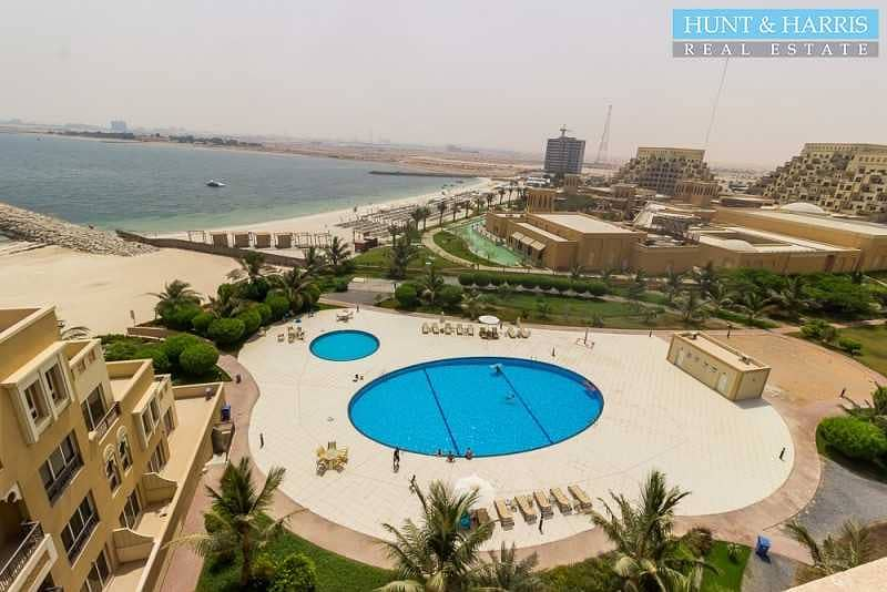 15 Live by the Sea - Studio Apartment - Courtyard Views