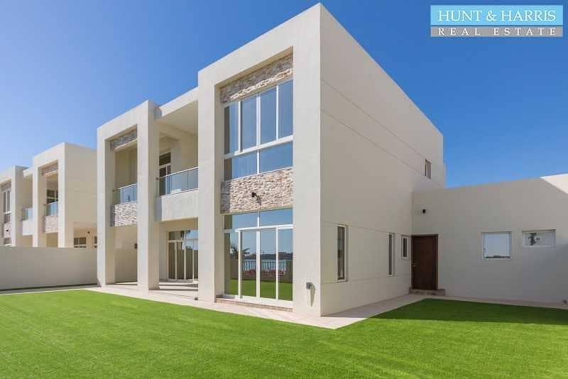 Beach Front   Stunning Five Bedroom Villa  + Maid + Driver room