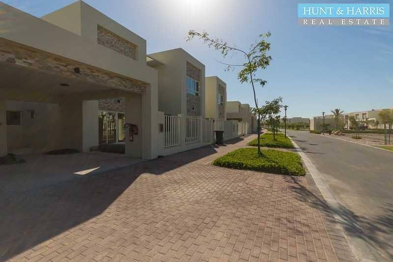 27 Beach Front   Stunning Five Bedroom Villa  + Maid + Driver room