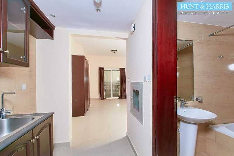 2 Convenient Location - Ground Floor - Big Balcony - Vacant