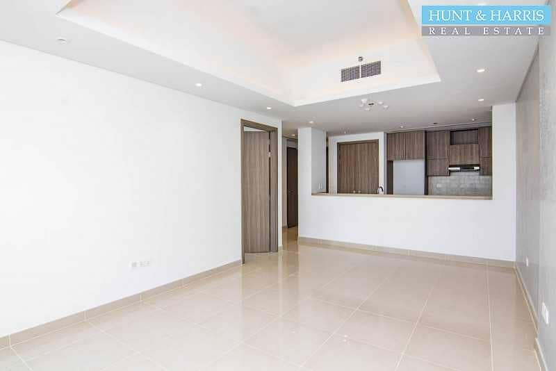 2 Brand New - 1 Bedroom Apartment with Beautiful Lagoon View