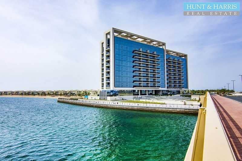 19 Brand New - 1 Bedroom Apartment with Beautiful Lagoon View