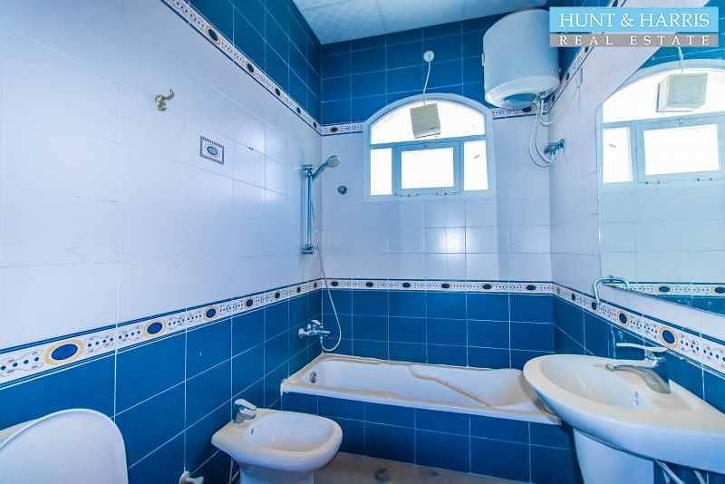 16 Amazing 3 Bedroom Villa - On the Main Road - Across from Al Naeem City Centre -