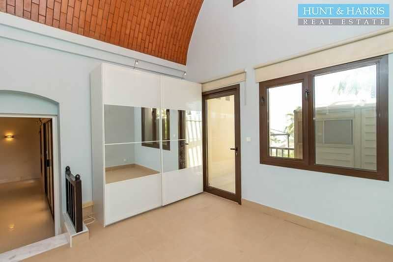 2 Beautifully Modified Villa - Open Kitchen - Private Pool