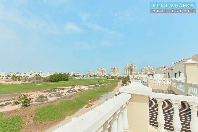 20 Priced to sell - Private Pool - Upgraded Townhouse