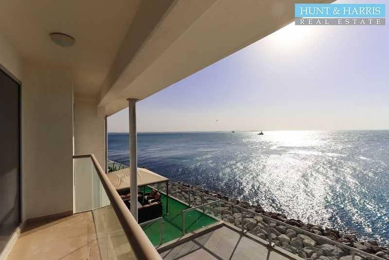 Sea Facing Duplex - Two Bedroom - Great Location