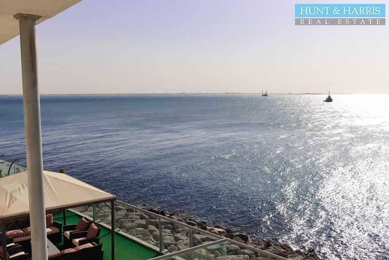 17 Sea Facing Duplex - Two Bedroom - Great Location