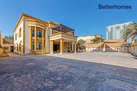 فیلا 6 غرف نوم للبيع في البرشاء، دبي - 6 bedrooms | Great location | On a road and Sikka