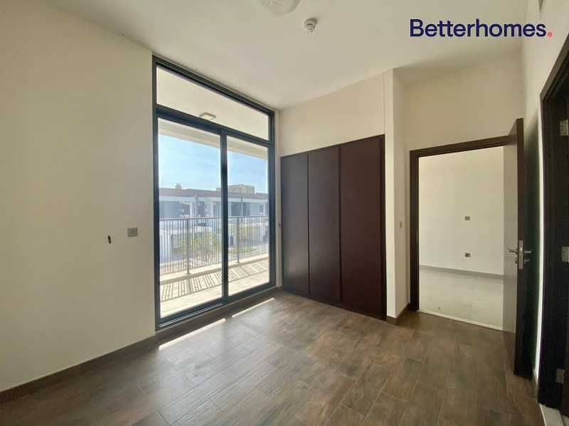 7 Vacant |Brand New| Park Facing|Kitchen extended
