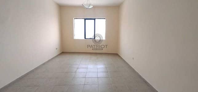 فلیٹ 3 غرف نوم للايجار في برشا هايتس (تيكوم)، دبي - AED 76