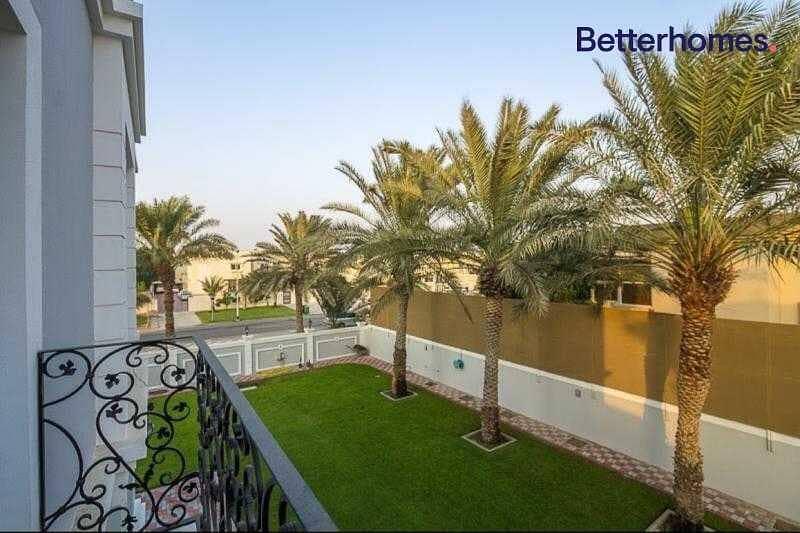 22 GCC Luxury Home  Upgraded  Corner villa
