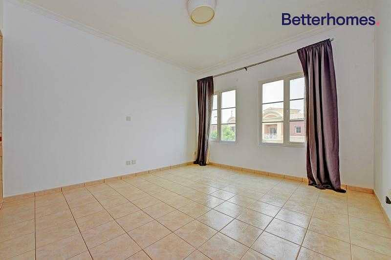 2 Large Studio| Well Maintained | Ready To Move In