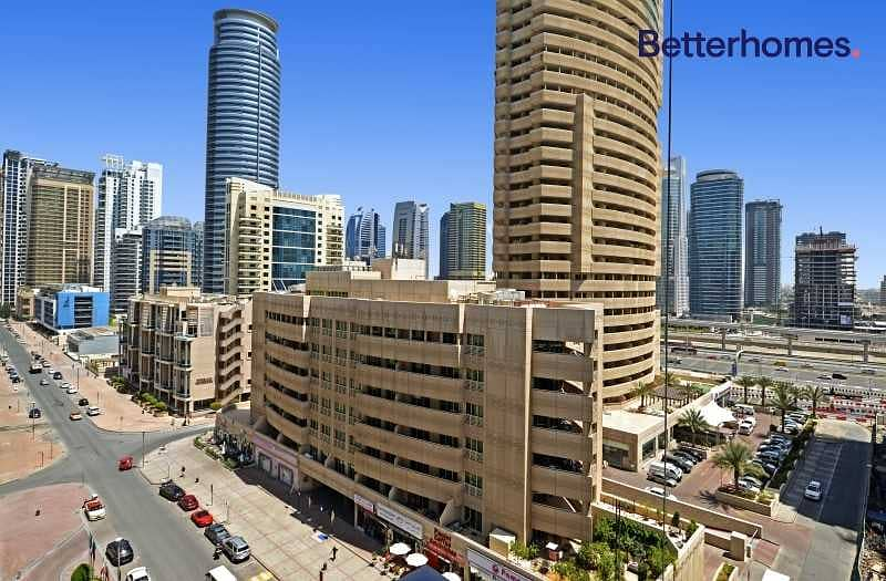 10 Vacant  Large 1 bed  Partial Marina view