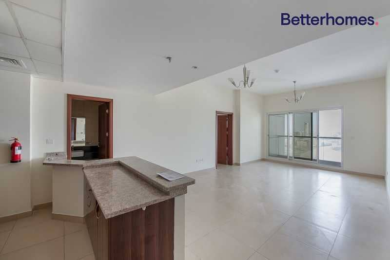 2 Spacious| Chiller free| 2 Balconies