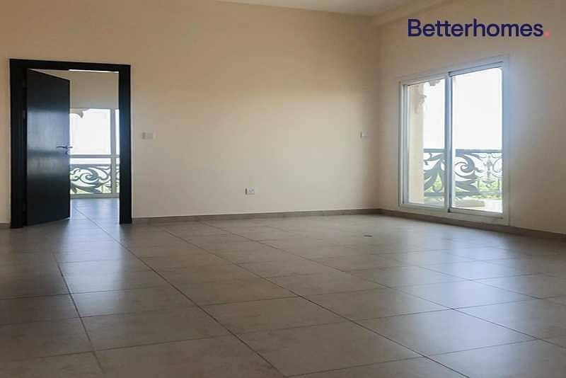 2 Large Brand New Apartment | View of the Desert
