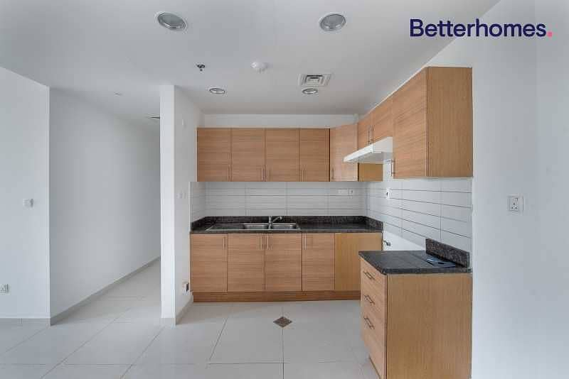 2 Make an offer   Open Kitchen   Vacant  Unfurnished