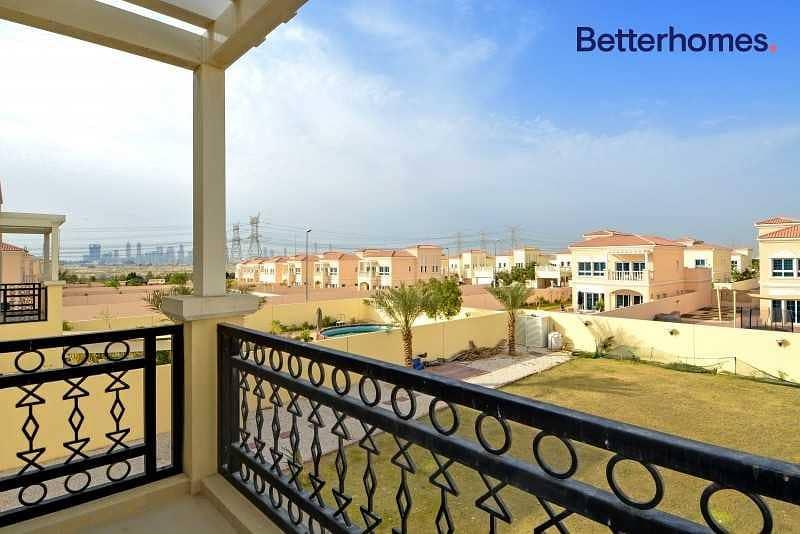 10 Beautiful large Nakheel Villas desirable address