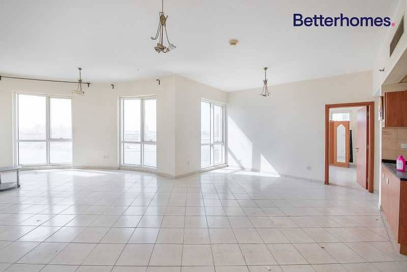 Large Unit   Mid Floor   Rented for 55k