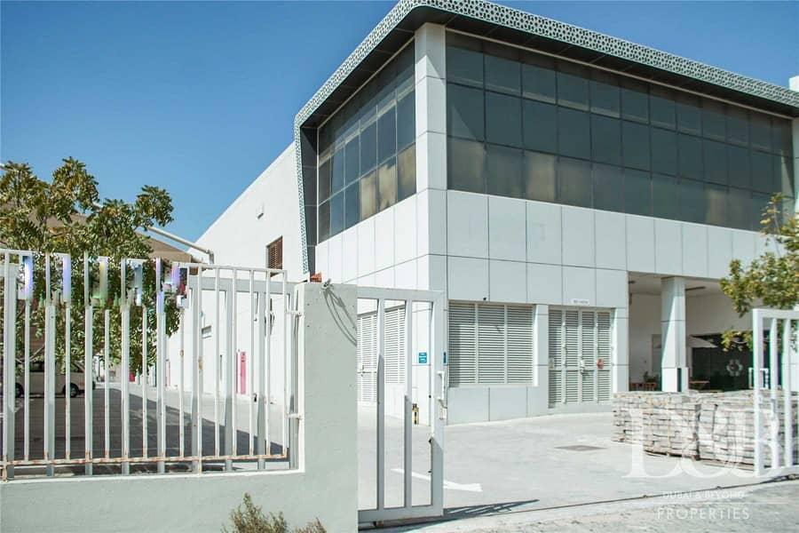 2 Strategic Location | Vacant Spacious Warehouse