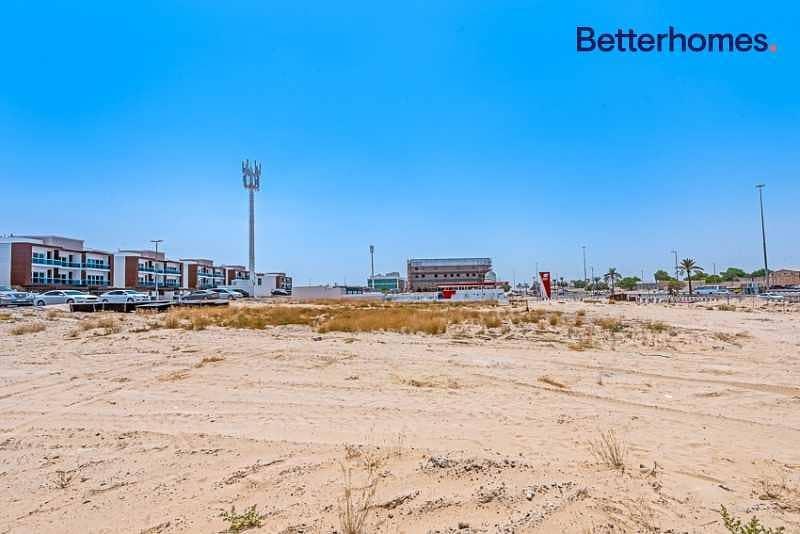 Commercial Land   Located on Al Khawaneej St