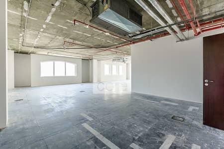 مکتب  للايجار في بر دبي، دبي - AED 95 per sqft | Semi Fitted | 6 Cheques