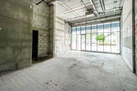 Shop for Rent in Business Bay, Dubai - Shell and Core | Service Charges Included
