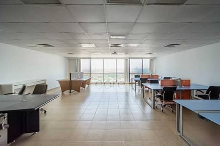 مکتب  للايجار في أبراج بحيرات الجميرا، دبي - Fitted and Furnished Office | Prime  Location