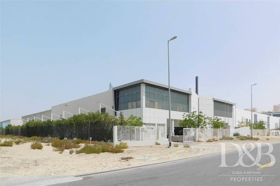 2 Strategic Location   Vacant Spacious Warehouse