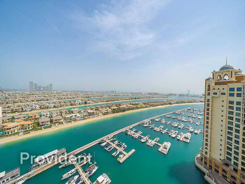 Luxurious furnished Duplex with Palm views