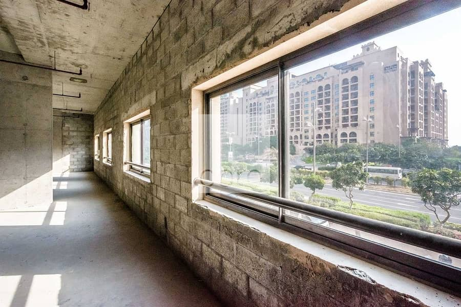 Full Floor | Shell and Core | 12 cheques payment