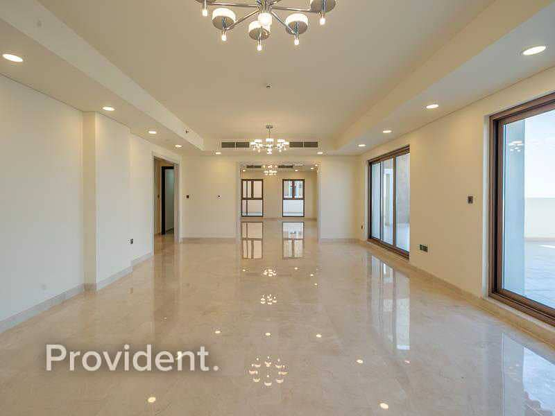 2 Highest Floor Penthouse | Upgraded | Beach Access
