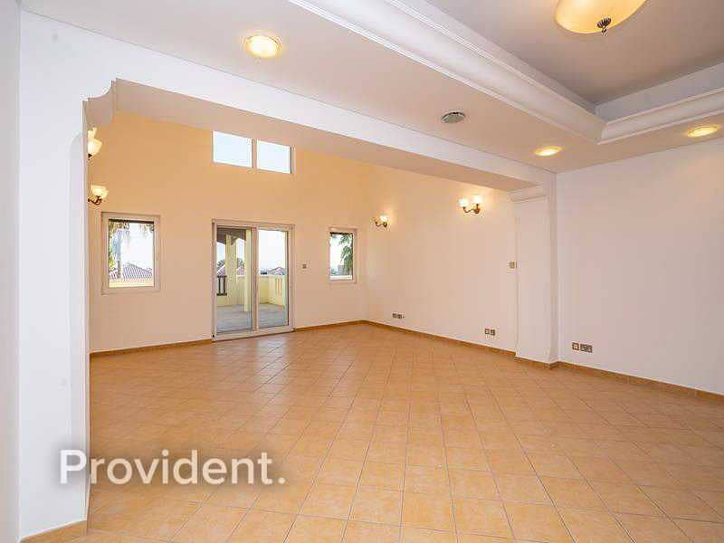 Incredible Triplex Penthouse   Private Patio   Vacant