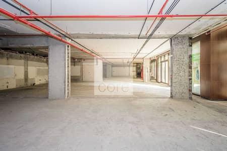 محل تجاري  للايجار في نخلة جميرا، دبي - Shell and Core Retail | SC Inclusive