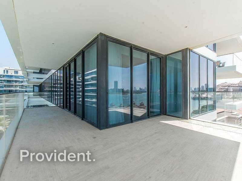 29 Upgraded Furnished   Panaromic Sea View Penthouse