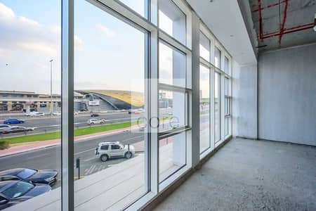 Office for Rent in Umm Al Sheif, Dubai - Shell and Core | Combined Units | Near Metro