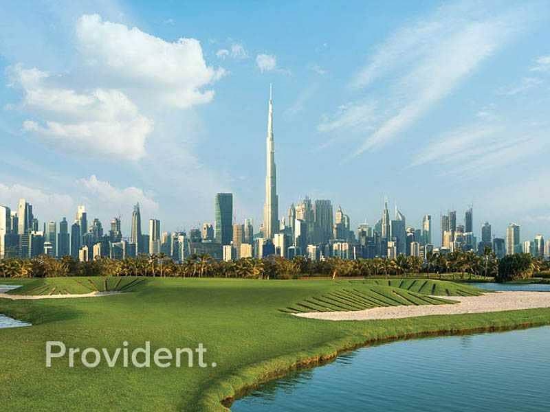 Beautiful Views of the Golf & Dubai Skyline