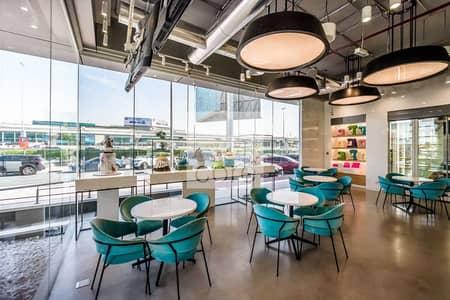 محل تجاري  للايجار في شارع الشيخ زايد، دبي - Fitted Retail Space | Easily Accessible