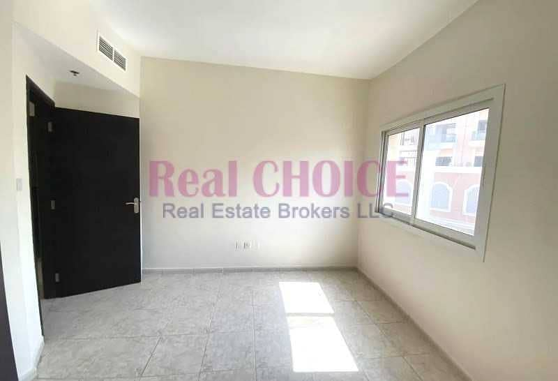 12 Cheques | Spacious 2 Beds | Chiller Free