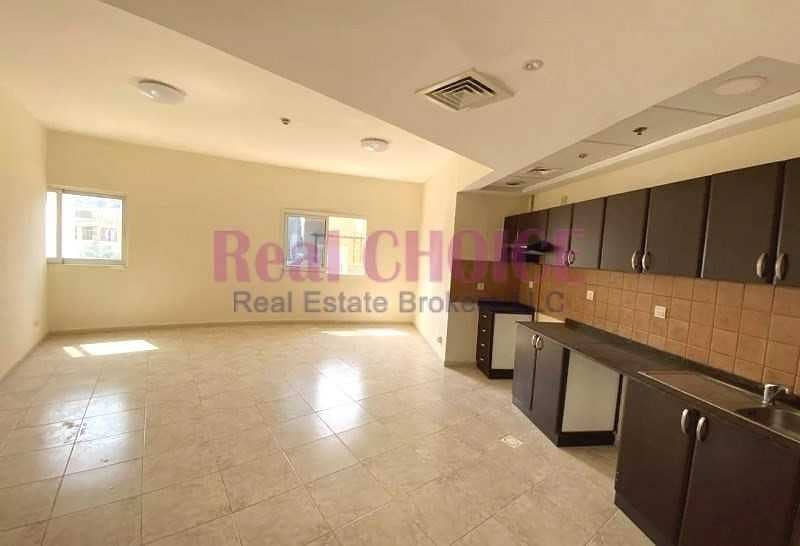10 12 Cheques | Spacious 2 Beds | Chiller Free