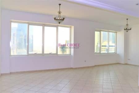 شقة 3 غرف نوم للايجار في شارع الشيخ زايد، دبي - Spacious 3BR Plus Maids Room  Chiller Free on SZR