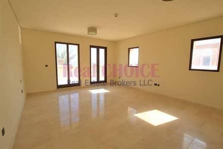 5 Bedroom Villa for Sale in Palm Jumeirah, Dubai - Private Beach   Infinity Pool   Crescent Palm Jumeirah